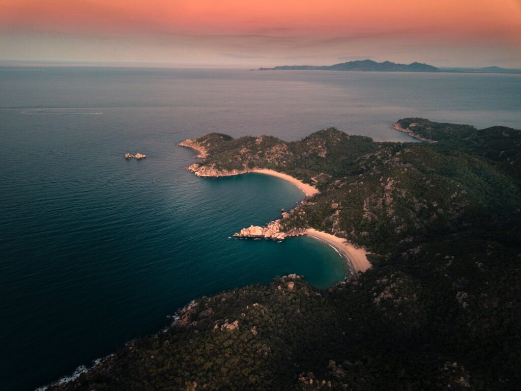 Magnetic Island Sunsets at the Bay Track